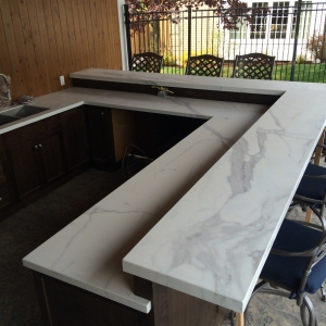 Neolith-Estatuario-ourdoor-kitchen-countertops